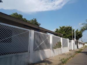 Casa En Venta En Cabimas, Buena Vista, Venezuela, VE RAH: 17-9653