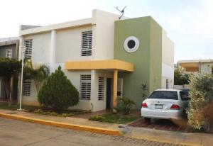 Townhouse En Venta En Maracaibo, Monte Claro, Venezuela, VE RAH: 17-9496