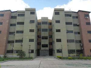 Apartamento En Venta En Municipio Los Guayos, Paraparal, Venezuela, VE RAH: 17-9518