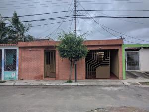 Casa En Venta En Valencia, Flor Amarillo, Venezuela, VE RAH: 17-9542