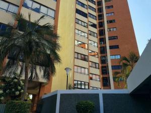 Apartamento En Venta En Maracaibo, Maracaibo, Venezuela, VE RAH: 17-9546