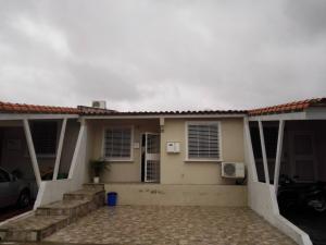 Casa En Venta En Cabudare, Parroquia José Gregorio, Venezuela, VE RAH: 17-9549