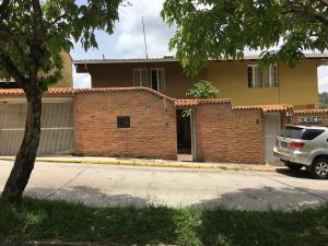 Casa En Ventaen Caracas, La Lagunita Country Club, Venezuela, VE RAH: 17-9586