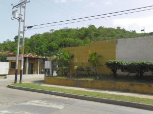Townhouse En Venta En Municipio San Diego, Terrazas De San Diego, Venezuela, VE RAH: 17-9568
