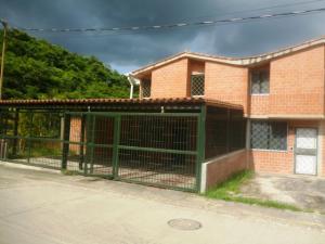 Townhouse En Venta En Charallave, Valles De Chara, Venezuela, VE RAH: 17-9571