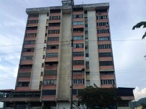 Apartamento En Venta En Valencia, Avenida Lara, Venezuela, VE RAH: 17-9572