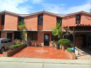 Casa En Venta En Guarenas, Nueva Casarapa, Venezuela, VE RAH: 17-9589