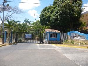 Townhouse En Ventaen Municipio Naguanagua, La Entrada, Venezuela, VE RAH: 17-9582