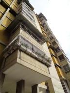 Apartamento En Venta En Caracas, La Florida, Venezuela, VE RAH: 17-9632