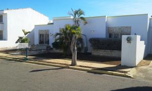 Townhouse En Alquiler En Maracaibo, Fuerzas Armadas, Venezuela, VE RAH: 17-9595