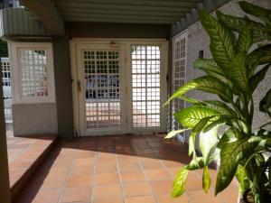 Apartamento En Venta En Maracaibo, Calle 72, Venezuela, VE RAH: 17-9604
