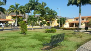 Terreno En Venta En Municipio San Diego, Villas Laguna Club, Venezuela, VE RAH: 17-9602