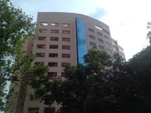 Apartamento En Venta En Valencia, La Trigaleña, Venezuela, VE RAH: 17-9605