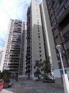 Apartamento En Venta En Caracas, Colinas De Bello Monte, Venezuela, VE RAH: 17-9613
