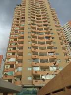 Apartamento En Venta En Valencia, Las Chimeneas, Venezuela, VE RAH: 17-9619