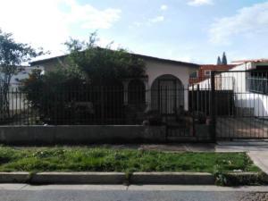 Casa En Venta En Valencia, Trigal Norte, Venezuela, VE RAH: 17-9633