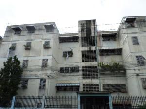 Apartamento En Venta En Caracas, El Valle, Venezuela, VE RAH: 17-9636