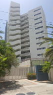 Apartamento En Venta En Parroquia Naiguata, Camuri Grande, Venezuela, VE RAH: 17-10345