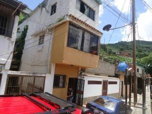 Casa En Ventaen Caracas, Caricuao, Venezuela, VE RAH: 17-9664