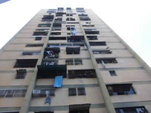 Apartamento En Venta En Caracas, Caricuao, Venezuela, VE RAH: 17-9676