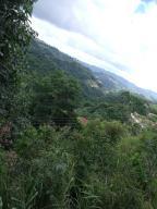 Terreno En Venta En Caracas - Corralito Código FLEX: 17-9699 No.0