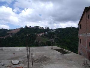 Terreno En Venta En Caracas - Corralito Código FLEX: 17-9699 No.2