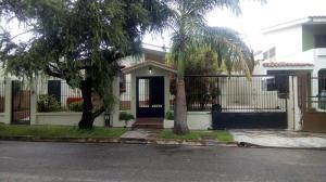 Casa En Venta En Valencia, Trigal Norte, Venezuela, VE RAH: 17-10023