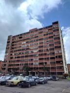 Apartamento En Venta En Municipio Naguanagua, Los Guayabitos, Venezuela, VE RAH: 17-9721