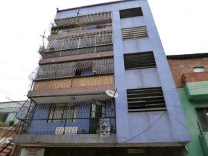 Apartamento En Venta En Caracas, Ruperto Lugo, Venezuela, VE RAH: 17-9730
