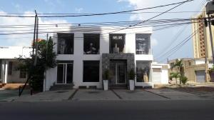 Local Comercial En Alquiler En Maracaibo, Bellas Artes, Venezuela, VE RAH: 17-9725