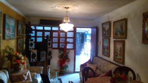 Apartamento En Venta En Maracaibo, Avenida Goajira, Venezuela, VE RAH: 17-9937