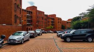 Apartamento En Venta En Caracas, La Tahona, Venezuela, VE RAH: 17-9792