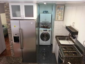 Apartamento En Venta En Caracas - Sabana Grande Código FLEX: 17-9803 No.5
