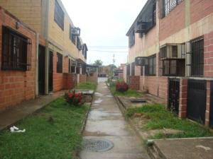 Apartamento En Venta En Cagua, Prados De La Encrucijada, Venezuela, VE RAH: 17-9880