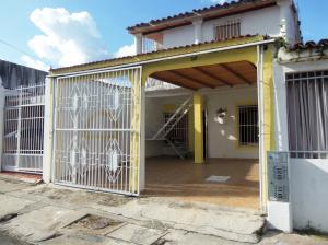 Casa En Venta En Municipio San Diego, La Esmeralda, Venezuela, VE RAH: 17-9818