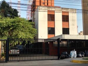 Apartamento En Ventaen Maracaibo, La Lago, Venezuela, VE RAH: 17-9849