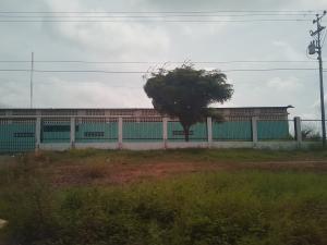 Galpon - Deposito En Alquileren Cabimas, R-10, Venezuela, VE RAH: 17-9876