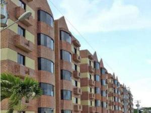 Apartamento En Alquiler En Ciudad Bolivar, Av La Paragua, Venezuela, VE RAH: 17-9882