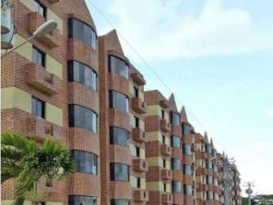 Apartamento En Alquiler En Ciudad Bolivar, Av La Paragua, Venezuela, VE RAH: 17-9895