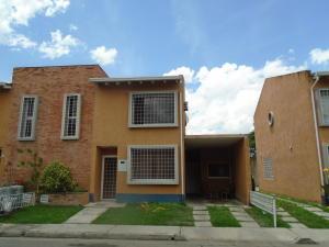 Townhouse En Venta En Municipio Naguanagua, La Campina Ii, Venezuela, VE RAH: 17-10032