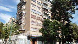 Apartamento En Venta En Caracas, Vista Alegre, Venezuela, VE RAH: 17-9933
