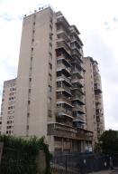Apartamento En Venta En Caracas, Las Acacias, Venezuela, VE RAH: 17-9963