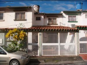 Casa En Ventaen Guatire, Valle Arriba, Venezuela, VE RAH: 17-10015