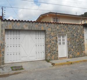 Casa En Venta En Maracay, El Limon, Venezuela, VE RAH: 17-10191