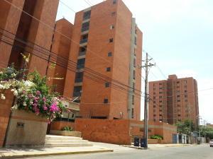 Apartamento En Venta En Maracaibo, La Lago, Venezuela, VE RAH: 17-10026