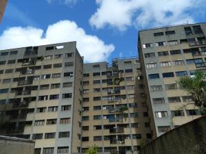 Apartamento En Venta En Caracas, Las Esmeraldas, Venezuela, VE RAH: 17-10027