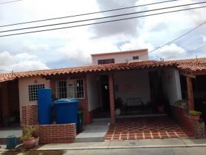 Casa En Venta En Cabudare, La Mora, Venezuela, VE RAH: 17-10039
