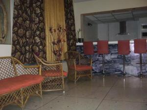 Casa En Venta En Maracay - La Maracaya Código FLEX: 17-10233 No.1