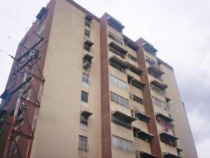 Apartamento En Venta En Turmero, Los Nisperos, Venezuela, VE RAH: 17-10096