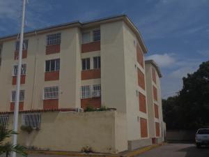 Apartamento En Venta En Charallave, Centro De Charallave, Venezuela, VE RAH: 17-10104
